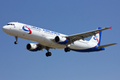 vq-boz-ural-airlines-airbus-a321-200_4