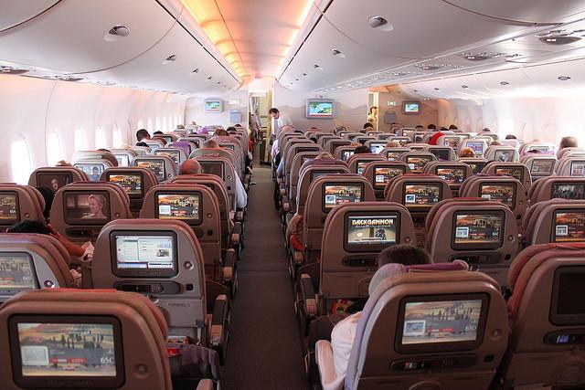 самолет A380 Emirates.
