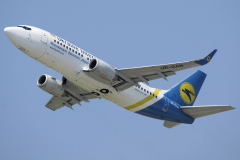 ur-gan-ukraine-international-airlines-boeing-737-300-jpg