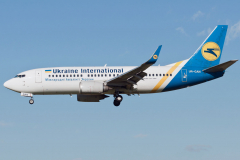 ur-gan-ukraine-international-airlines-boeing-737-300_4-jpg