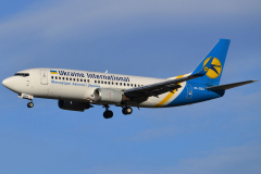 ur-gba-ukraine-international-airlines-boeing-737-300_2-jpg