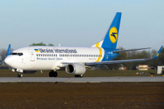 ur-gba-ukraine-international-airlines-boeing-737-300_4-jpg