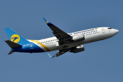 ur-gan-ukraine-international-airlines-boeing-737-300_3-jpg