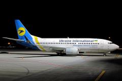 ur-gaq-ukraine-international-airlines-boeing-737-300_2-jpg