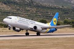ur-gao-ukraine-international-airlines-boeing-737-400_2-jpg