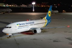 ur-gap-ukraine-international-airlines-boeing-737-400_5-jpg