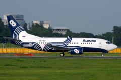 ra-73002-aurora-boeing-737-500