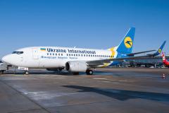 ur-gas-ukraine-international-airlines-boeing-737-5002-jpg
