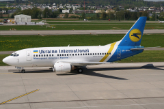 ur-gaw-ukraine-international-airlines-boeing-737-500_2-jpg