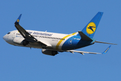 ur-gaw-ukraine-international-airlines-boeing-737-500-jpg