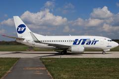 vp-bxy-utair-aviation-boeing-737-500_2