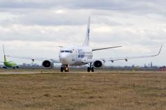vq-bjo-utair-aviation-boeing-737-500_3
