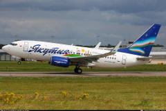 vq-bls-yakutia-airlines-boeing-737-700_3