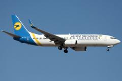ur-psc-ukraine-international-airlines-boeing-737-800_2-jpg