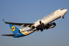 ur-psc-ukraine-international-airlines-boeing-737-800_4-jpg