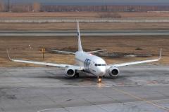 vq-bqp-utair-aviation-boeing-737-800