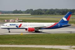 vp-blt-azur-air-boeing-757-28a_1