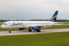 vp-bfg-yakutia-airlines-boeing-757-200_4
