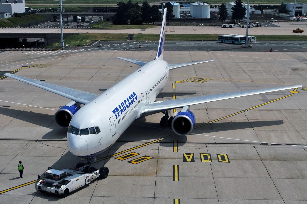 ei-ruz-transaero-airlines-boeing-767-300.jpg