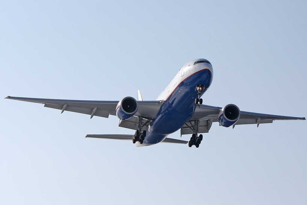 -airlines-boeing-777-200_7