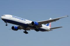 ei-unl-transaero-airlines-boeing-777-300_2