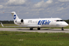 vq-bgh-utair-aviation-canadair-crj-200