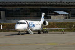 vq-bgl-utair-aviation-canadair-crj-200_2