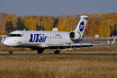 vq-bgt-utair-aviation-canadair-crj-200_2