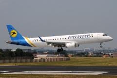 ur-emb-ukraine-international-airlines-embraer-erj-190-jpg