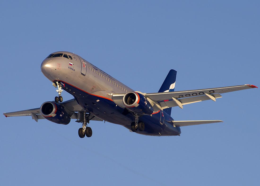 Схема салона Сухой Суперджет 100 Аэрофлот.  Фотогалерея самолетов.  Ознакомиться со схемой салона самолета и...