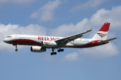 ra-64046-red-wings-tupolev-tu-204_2