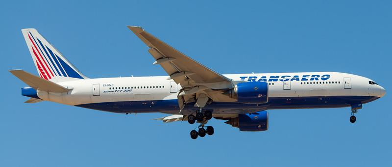 в самолете Boeing 777-200