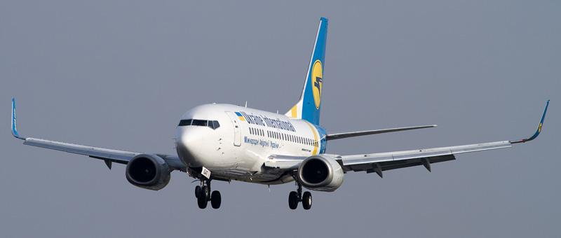 Boeing 737-500 (Боинг 737-500) — Международные авиалинии Украины