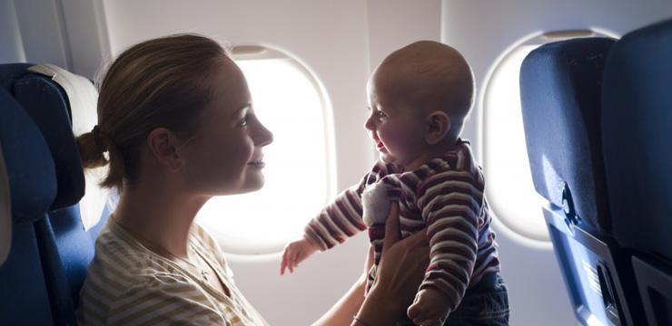 Особенности авиаперелета с детьми