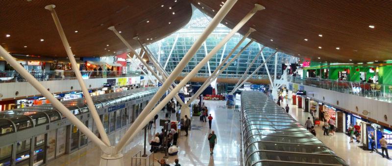 68 граждан Турции прожили месяц в аэропорту Малайзии