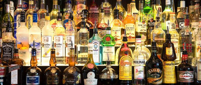В аэропортах Британии ограничат продажу алкоголя