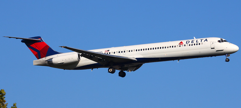N905DL-Delta-Air-Lines-McDonnell-Douglas-MD-88