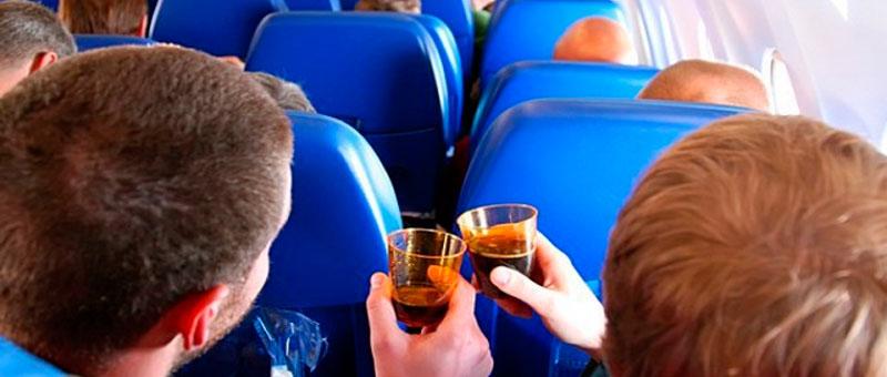 Авиакомпания «Россия» отмечает рост количества самолётных дебоширов