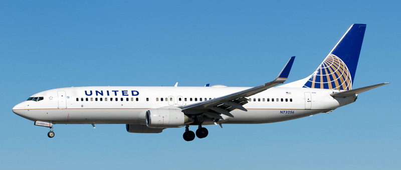 n73256-united-airlines-boeing-737-824wl