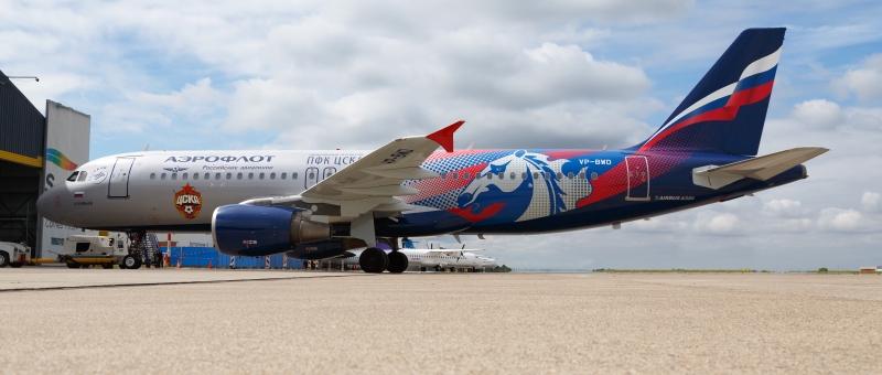 Airbus A320 авиакомпании «Аэрофлот» покрасили в цвета ЦСКА