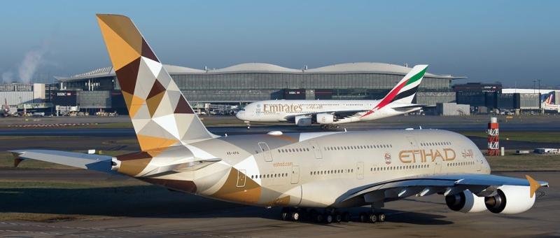 Власти США и Европы планируют бороться против ближневосточных авиакомпаний