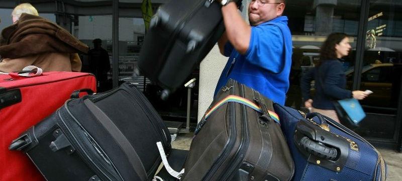 Как обезопасить багаж во время полета?