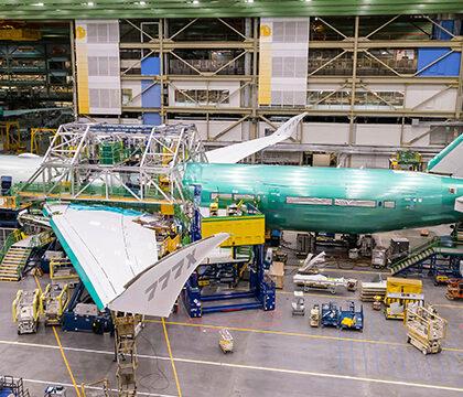 Самый большой двухмоторный самолет оснастили деталями из 3D-принтера