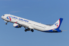 vq-bob-ural-airlines-airbus-a321-200_3