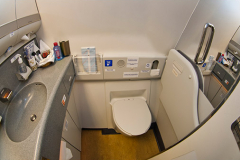 Туалет империал класса Boeing 777-300 Трансаэро