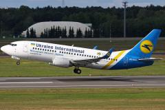 ur-gan-ukraine-international-airlines-boeing-737-300_5-jpg