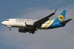 ur-gak-ukraine-international-airlines-boeing-737-5004-jpg