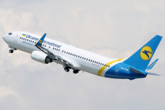 ur-psb-ukraine-international-airlines-boeing-737-800_2-jpg