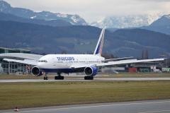 ei-uns-transaero-airlines-boeing-777-200_7