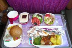 dinner-thai_airways_intercontinental_flight_2007